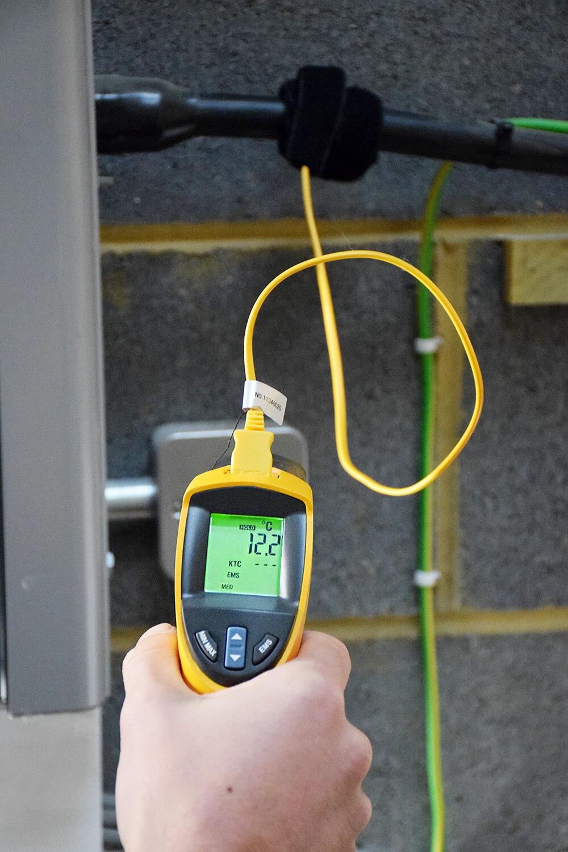 fluke 561 infrared thermometer 8