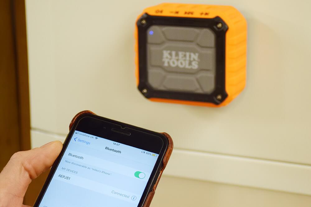 klein wireless jobsite speaker review