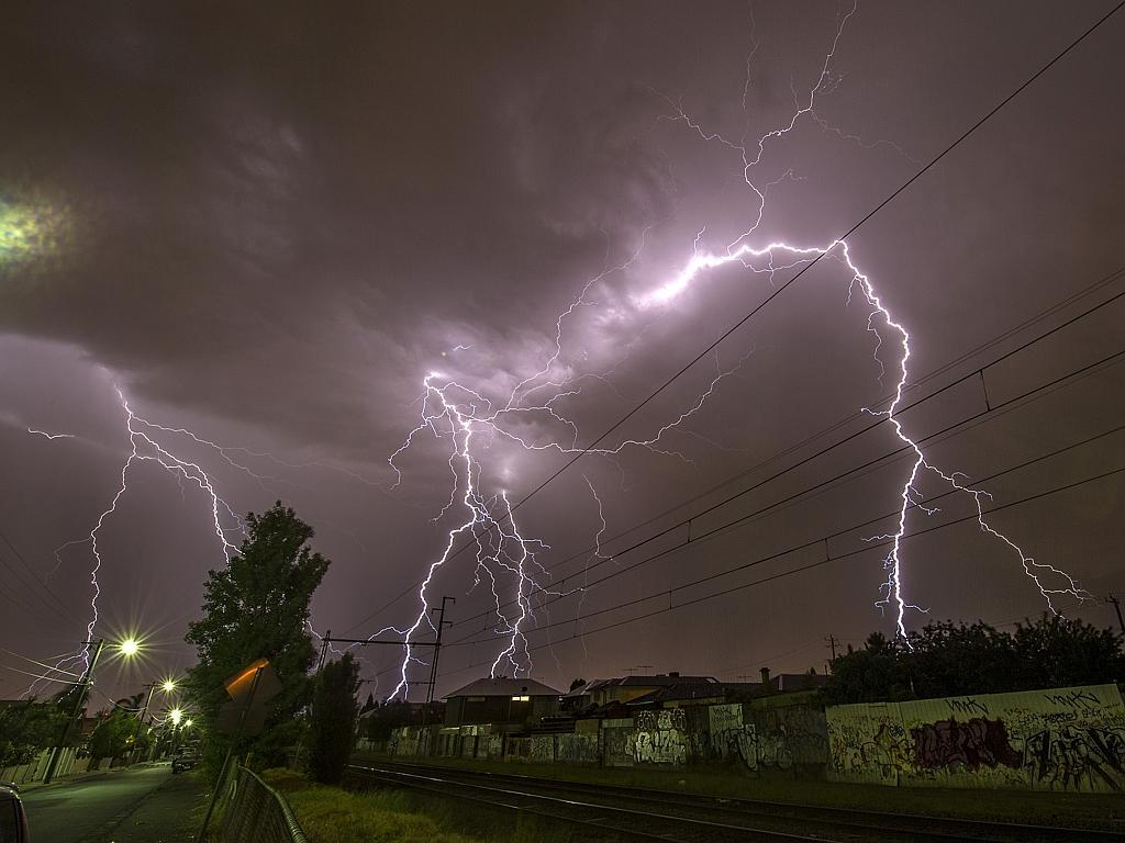 electrical storm in melbourne