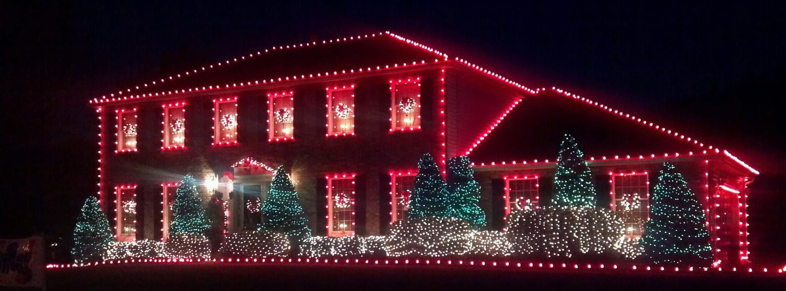 traditional christmas lighting house